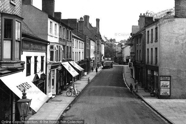 welshpool-berriew-street-c1955_w471004_large
